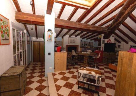 Brescia – Appartamento In Villa