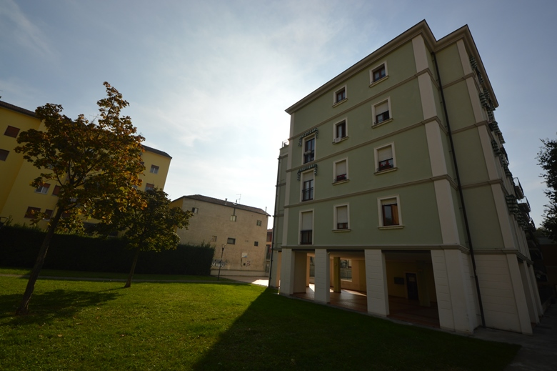 Brescia – Bilocale Con Cortile