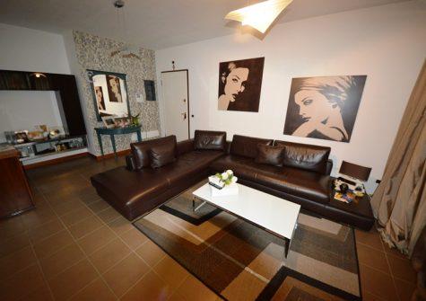 Concesio – Trilocale In Residence Con Piscina